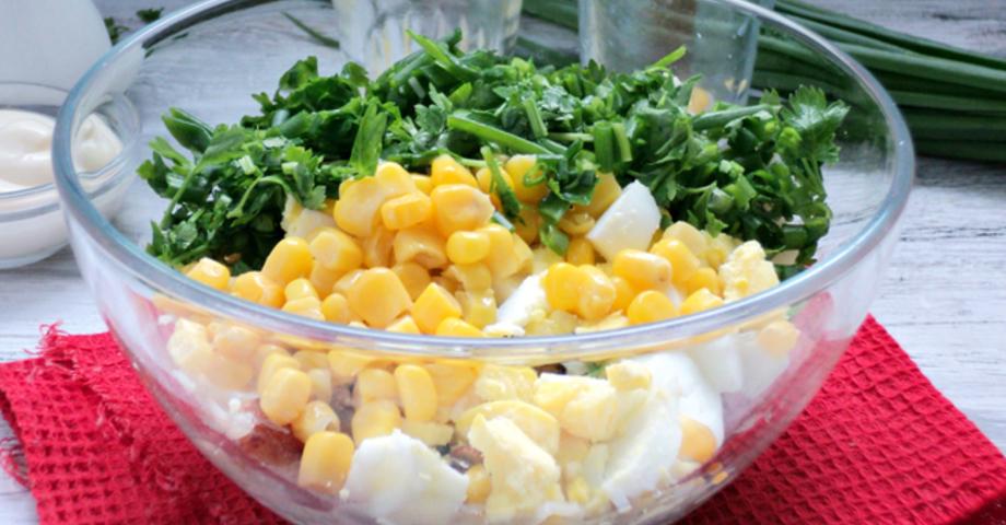 salat_s_shampinonami_kukuruza