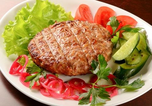Бифштекс из говядины рубленный
