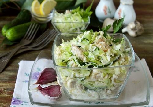 Салат капустный с курицей