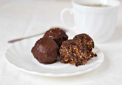 Конфеты с черносливом и орехами