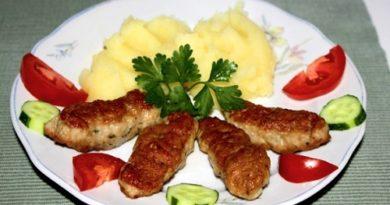 Мититеи по-молдавски (мясные колбаски)