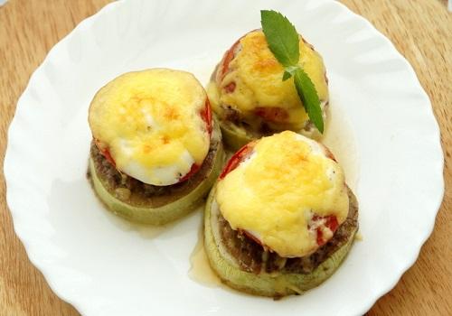 Кабачки с фаршем и помидорами в духовке