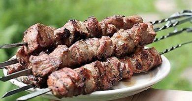 Сочный шашлык из свинины в маринаде из лука