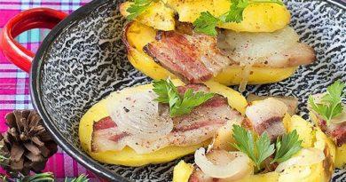 Картофель, запечённый в фольге с салом