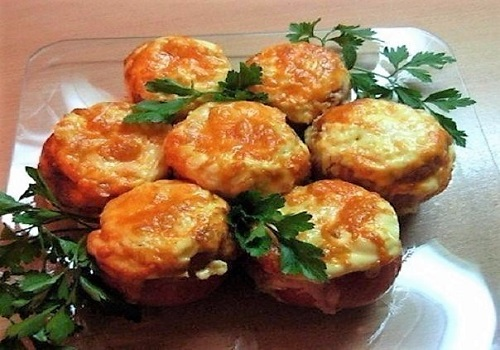 Фаршированные помидоры курицей и сыром