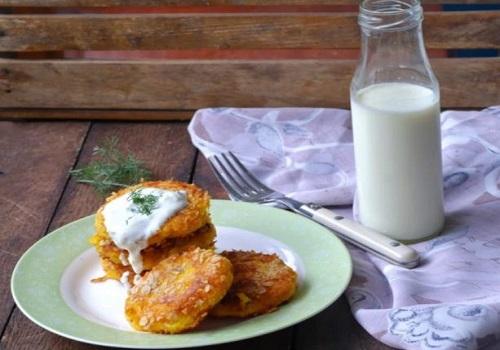 Картофельные оладьи с тыквой и творогом
