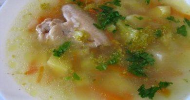 Суп куриный с брокколи и рисом в мультиварке