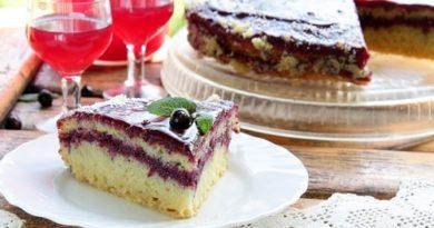 Бисквитный торт со смородиновым кремом