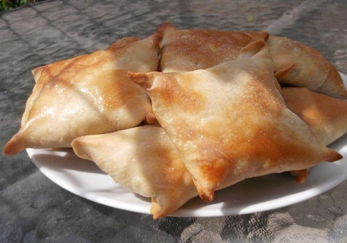 Самса с бараниной из слоёного теста по-узбекски
