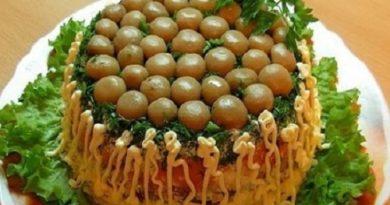 Салат «Грибная поляна» с ветчиной и сыром