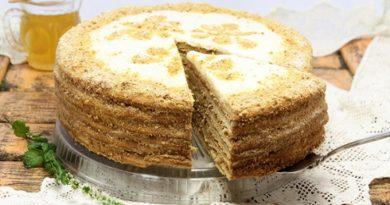 Торт «Медовик» с лимонным кремом