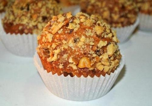 Творожные кексы с изюмом и орехами