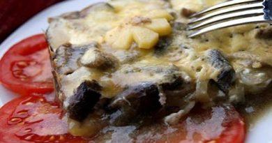 Картофель с грибами под сыром в духовке