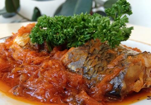 Рыба под маринадом с луком и морковью