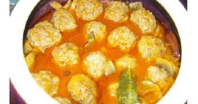 Тефтели по-русски с грибами в томатной подливке