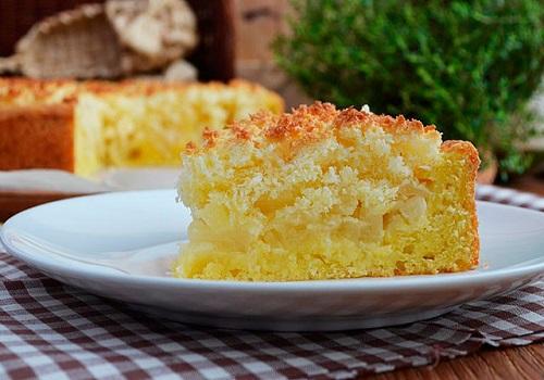 Творожной пирог с яблоками и кокосовой начинкой