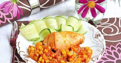 Цыплёнок по-мексикански с помидорами и кукурузой