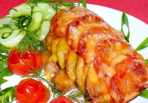 Курица, запечённая с овощами
