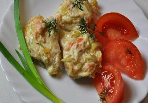 Пангасиус в сливочном соусе с овощами